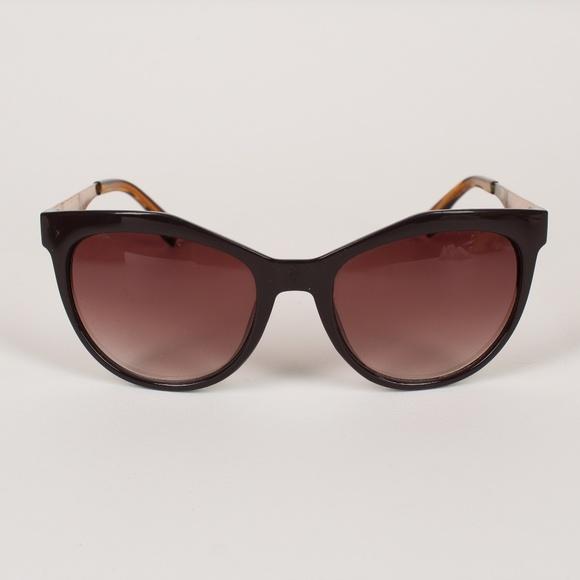 5348e6b09432 Versace Brown   Gold Vw103 Sunglasses. M 5c36bddc7386bc610dbd6a9e. Other  Accessories ...